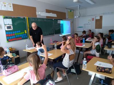père jan en classe (1)